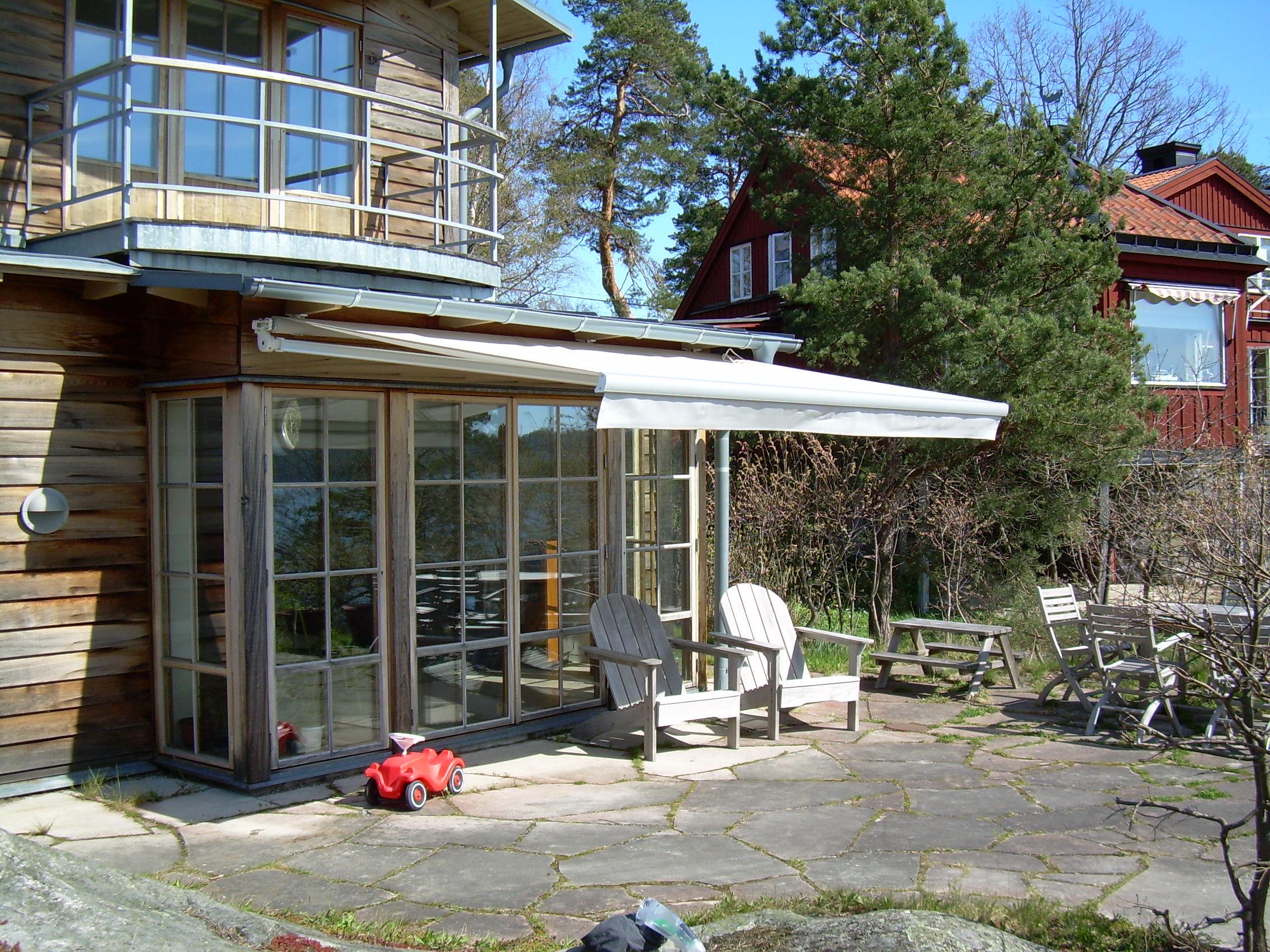 Terrassmarkis - hus i skärgården